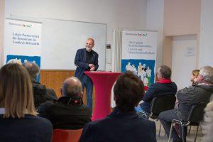 Jochen Hartloff beim Impulsvortrag