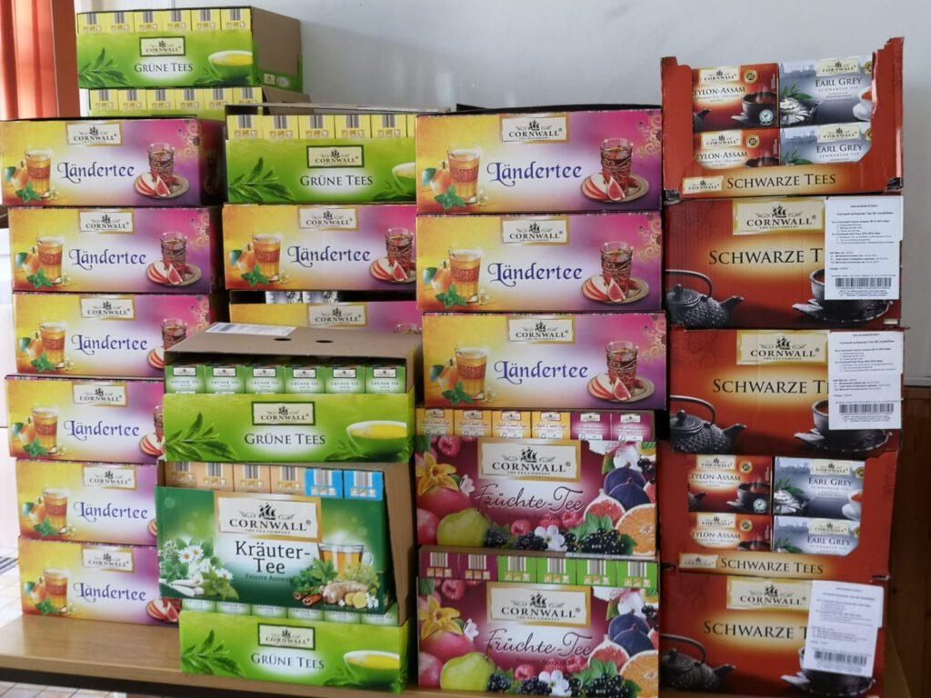 viele Päckchen mit Tee