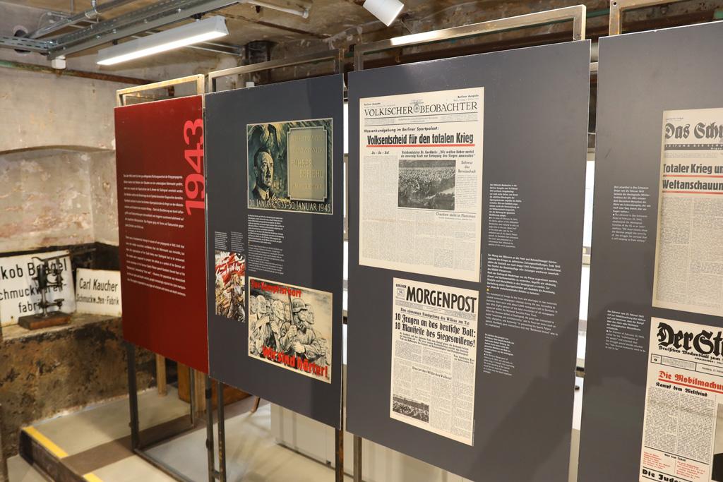 Tafeln in der Dauerausstellung des Industrie Denkmals